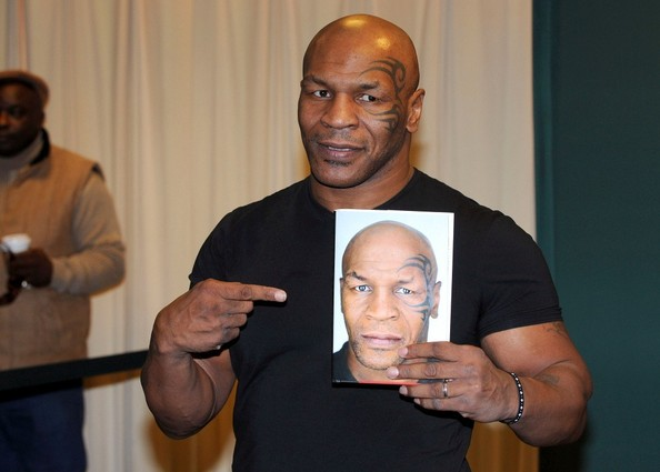 Mike+Tyson+s+book+signing+rkVCg2V7g0Tl