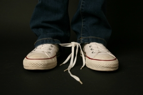 tie-his-shoe-laces-together-prank